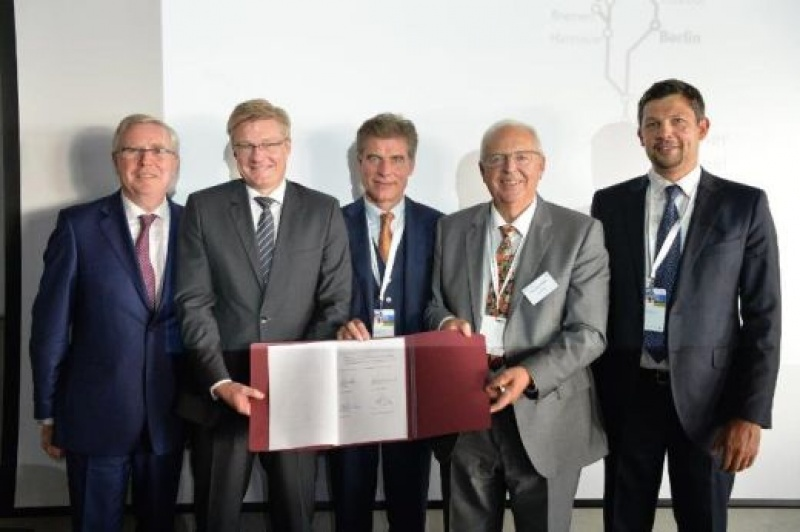 Femern as and bbt se two of europes biggest mega projects sign fehmarnbelt tunnel and brenner base tunnel two of europes biggest mega projects sign agreement on platinumwayz