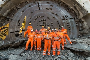 On June 21, 2017 the miners and project managers celebrated the breakthrough of the tunnel boring machine at the Belchen rehabilitation tunnel. Thanks to weekly best performances of up to 90 meters, the 3.2 km tunnel was completed in only 16 months. Photo: Herrenknecht AG