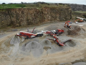 Mason Brothers Quarry Products produces in excess of 100,000 tons of high quality aggregate from its Rhyndaston quarry near Haverfordwest, with a mobile crushing, screening and scalping train from Sandvik. (Source: Sandvik)